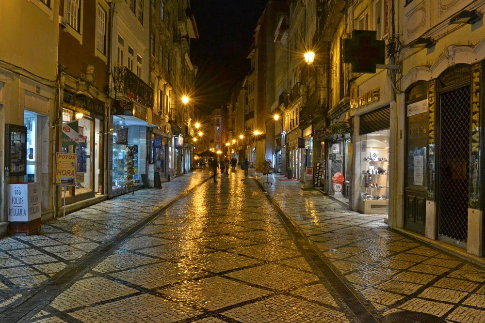 Photo in Street Photography #coimbra #night #rain