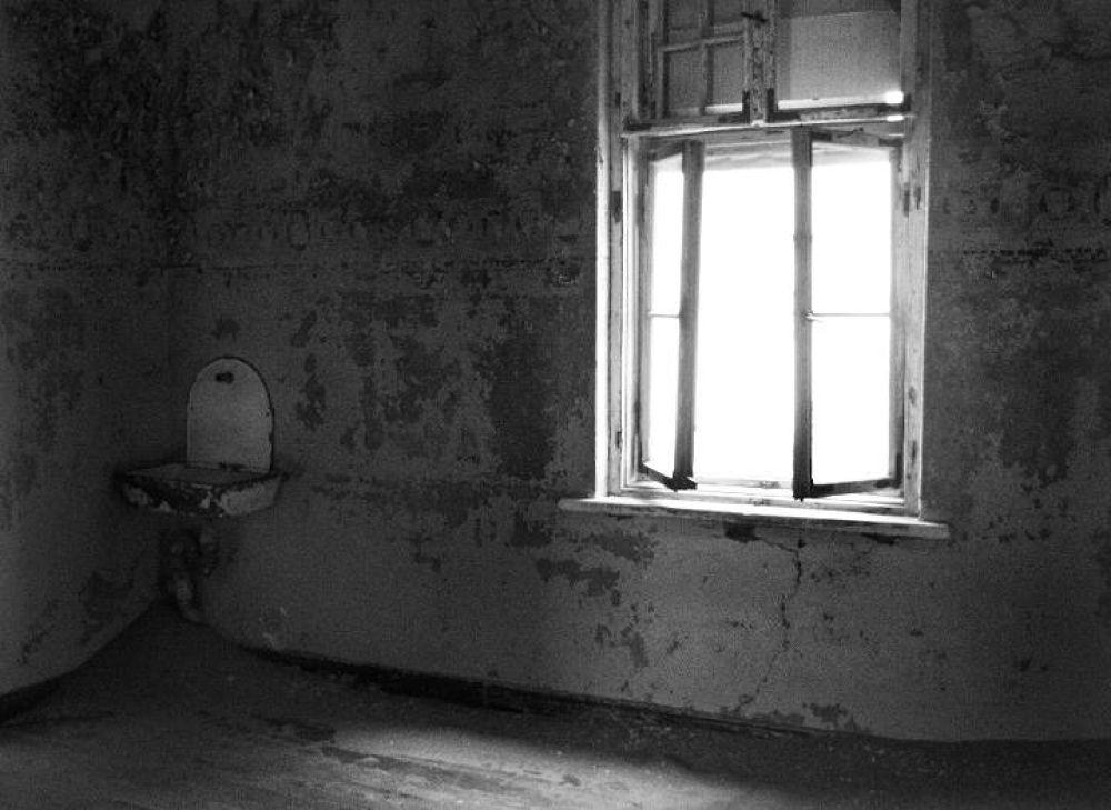 Photo in Architecture #kolmanskop #karas #namibia #ghost town #empty #lonley #room #window #light #shadow #diamond