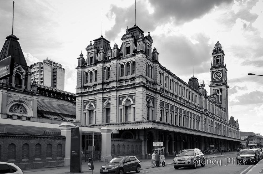 Photo in Architecture #ypa2013 #são paulo #estação da luz #sidney pires #sidney oliveira pires júnior #sampa #centro histórico de são paulo #centro velho #monumento #arquitetura britânica #estação ferroviária
