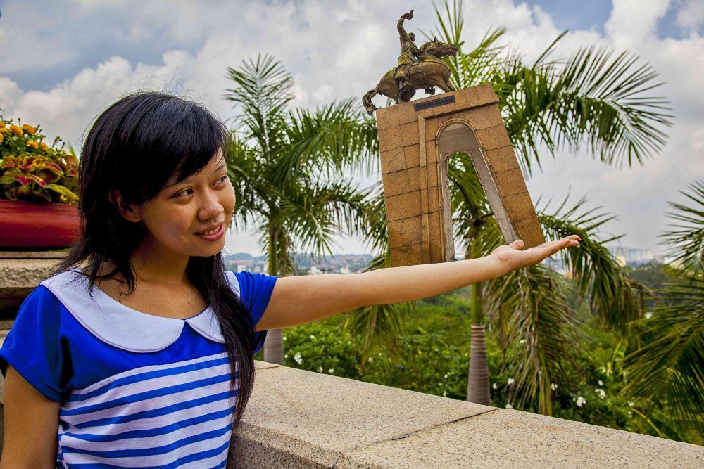 Photo in Random #magaflor #woman #saigon #vietnam