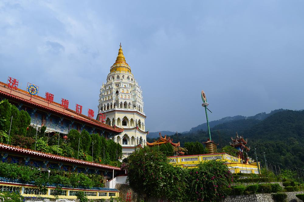 Photo in Travel #best of penang #buddhism #malaysia #temple