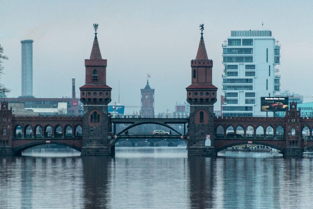Photo in Random #abend #berlin #germany #oberbaumbrücke #osthafen #rotes rathaus #spree #evening