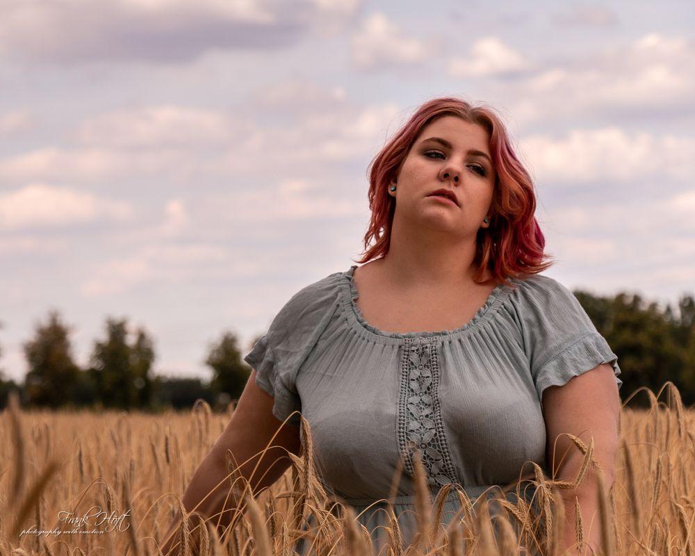 Photo in Portrait #country #girl #grain #field #summer