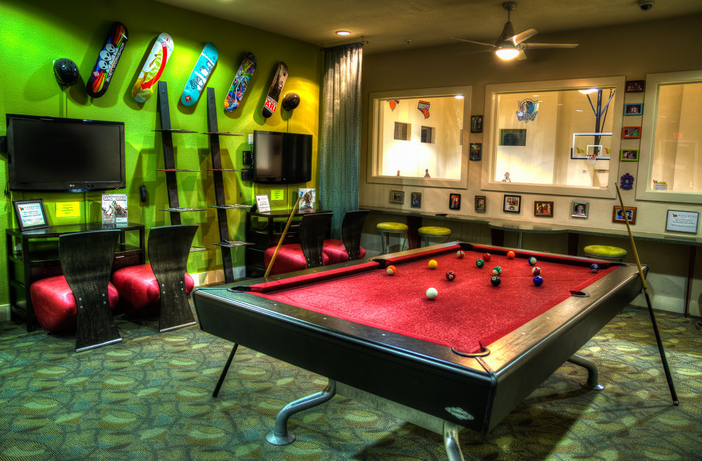 Photo in HDRI #hdr #pool table #color #red #green #detailed #gameroom #apartments