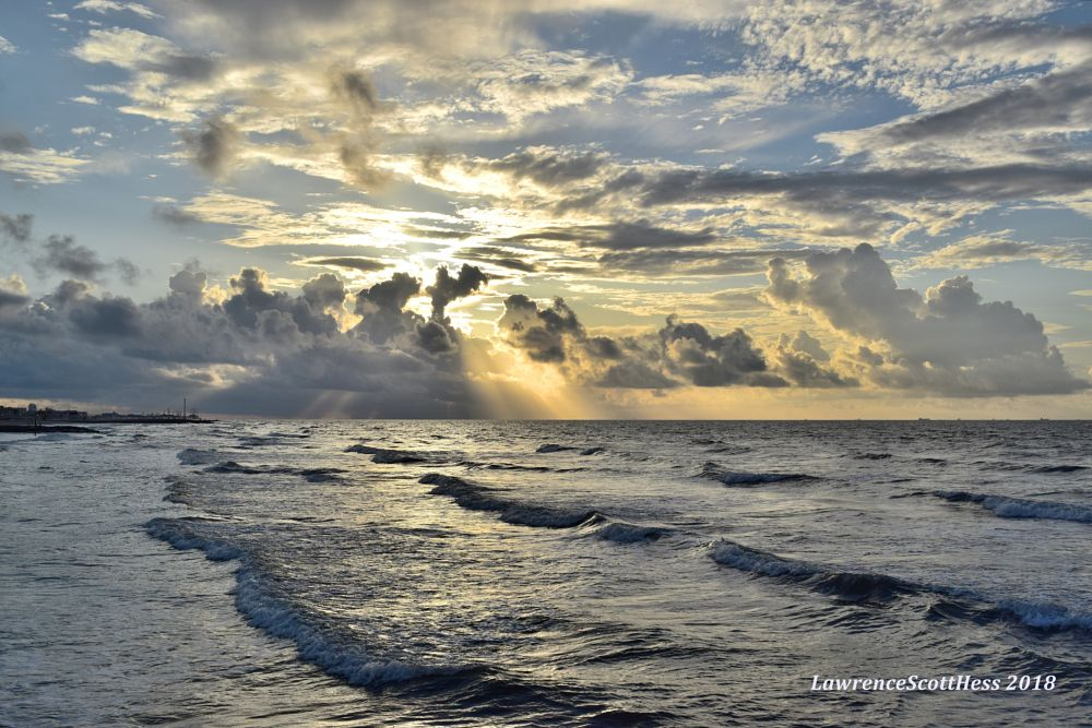 Photo in Sea and Sand #water #ocean #sea #clouds #sunshine #sunrise #waves #seascapes #nature