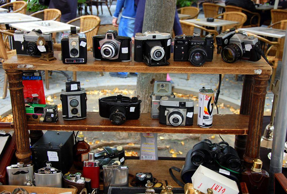 Photo in Urban #cameras #vintage #used #fleamarket #rommelmarkt #antwerpen #belgium #selling #urban #streetphotography