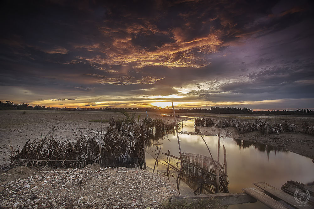 Photo in Landscape #canon #6d #17-40mm #cpl #gnd #sunset #z-pro #hitech #filter #manfrotto #clouds #village