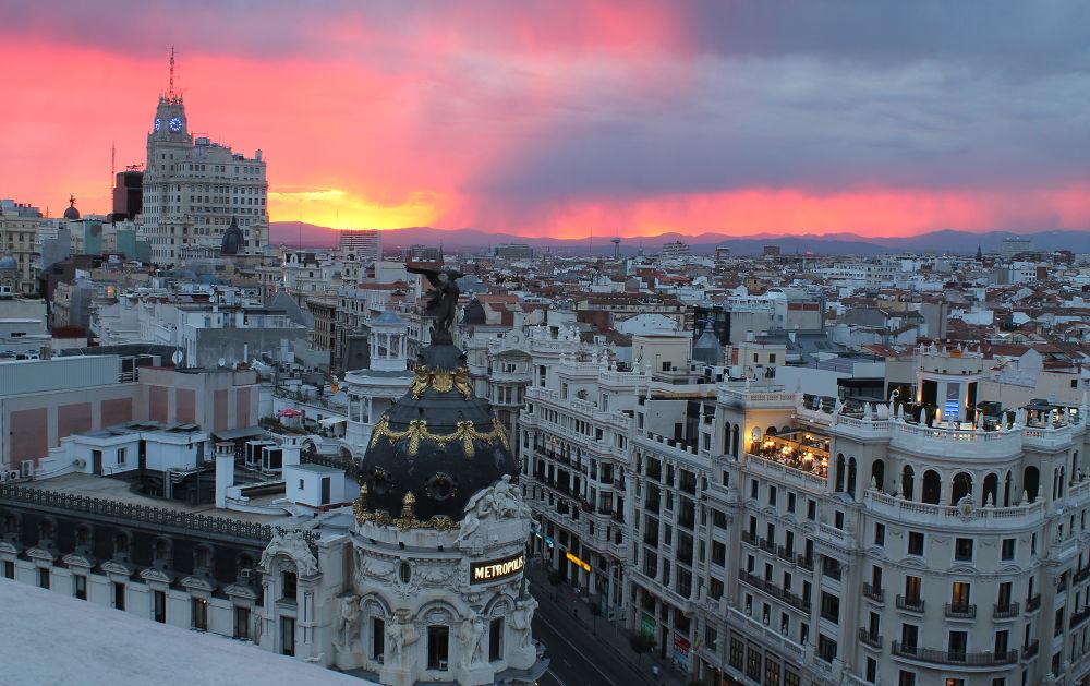 Photo in Architecture #sunset #madrid #ypa2013 #gran vía #cba #círculo bellas artes #azotea #españa #spain #sky