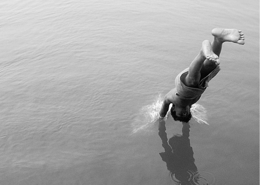 Photo in Random #jump #ganges #india #child #fun #manish khattry #varanasi #banaras #benares #kashi #superb #excellent #unique