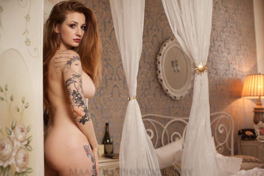 Liahlou nude