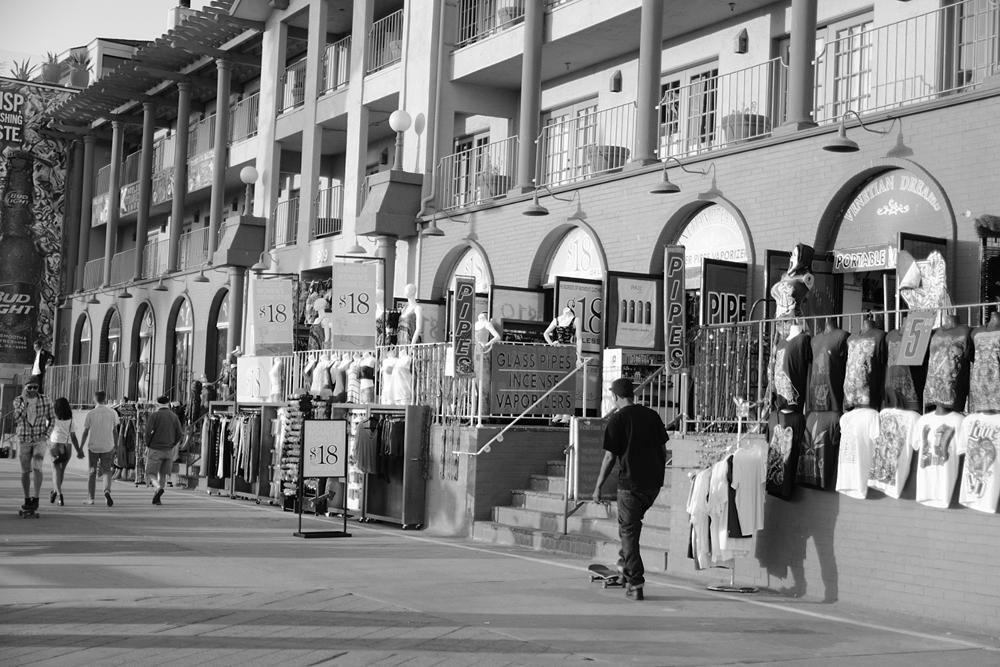Photo in Street Photography #streetcontest #skate #venicebeach #california #people #comerce