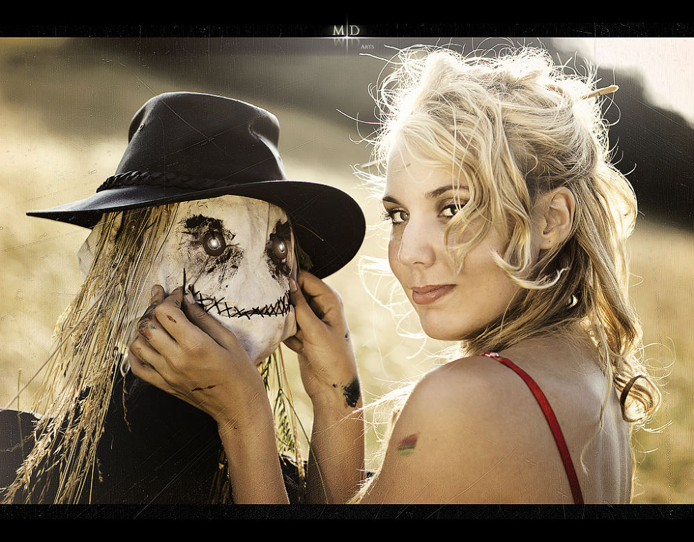 Photo in Random #girl #blonde #scarecrow #lover #lovers #love #smile #smiling #hat #puppet #horror #sun #light #sunny #golden #french #pin-up #vintage