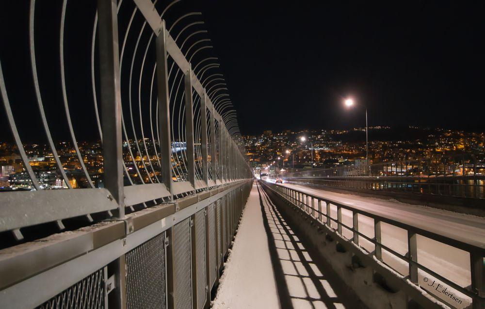 Photo in Cityscape #city #urban #bridge #cityscape #road #evening #lines #centre #metal #lights