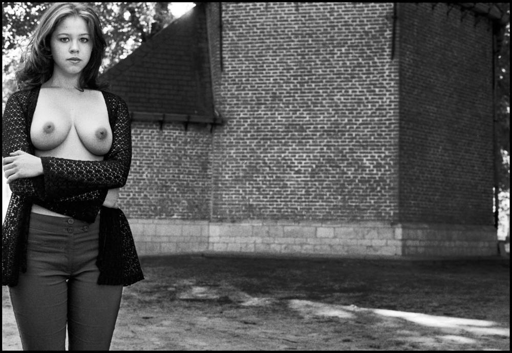 Photo in Black and White #girls #erotic #outdoor