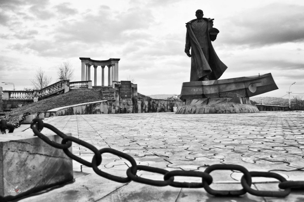Photo in Black and White #isakov #admiral #sculpture #yerevan #armenia #memorial