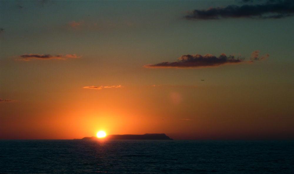 Photo in Landscape #island #ocean #sea #sunset #orange #yellow #crete #sisi