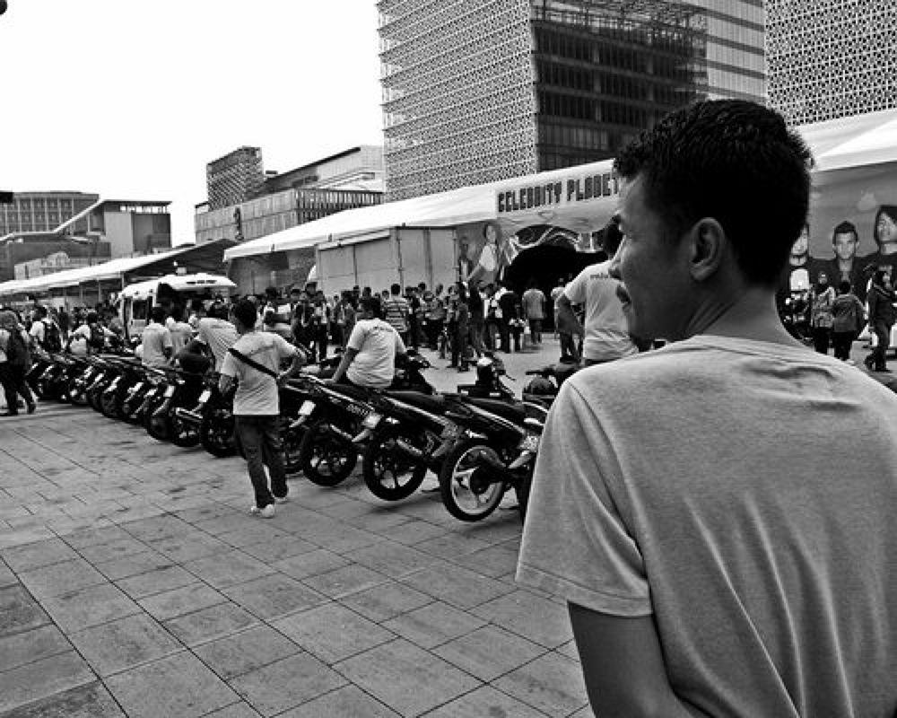 Photo in Street Photography #street photography #black & white #monochrome #walks of life #digital #putrajaya youth festival