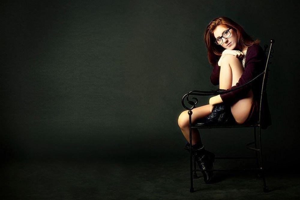 Photo in Portrait #redhead #girl #studio #portrait #tal flint