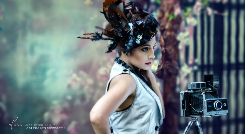 Photo in Portrait #portrait #vintage #fairy #camera #model