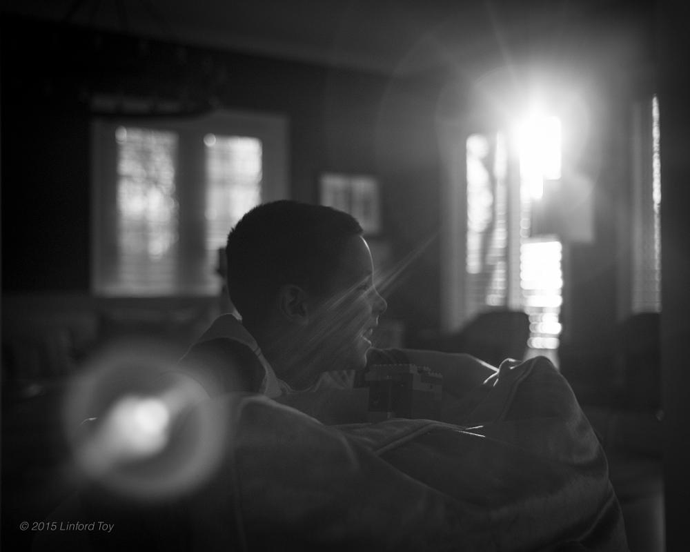 Photo in Black and White #son #family #boy #sun #b&w #leica #monochrom #summicron