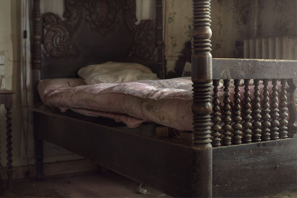 Photo in Urban #andre #govia #urbex #bed #decay #best #abandoned #house #mold