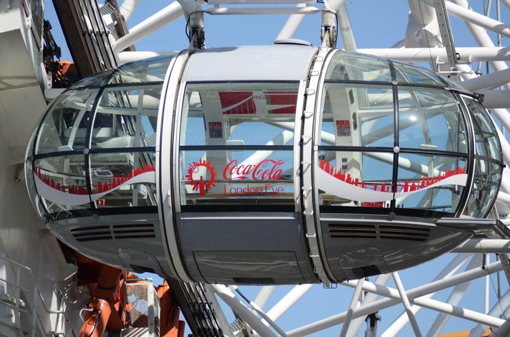 Photo in Cityscape #the london eye #the millennium wheel #coca-cola london eye #ferris wheel #south bank #river thames #london #32 ovoidal capsules #passenger capsule
