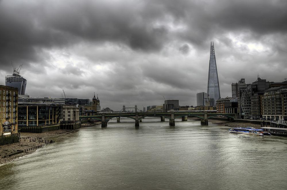 Photo in Cityscape #england #london #travel #thames #river #nikon #d7000