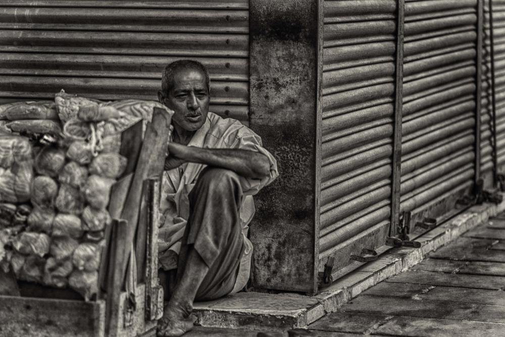 Photo in Street Photography #blackandwhite #bnw #labor #close #wait