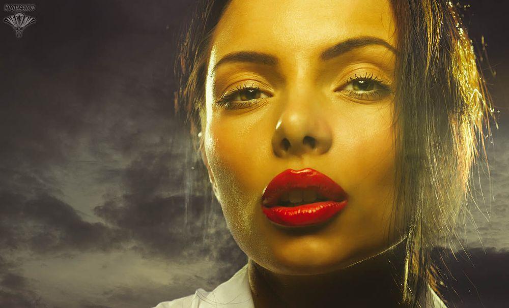 Photo in Portrait #noir #portrait #girl #woman #beauty #sky