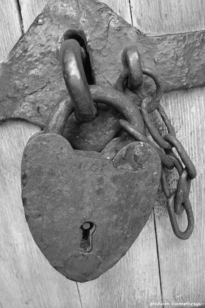 Photo in Black and White #heart #lock #caernarfon castle