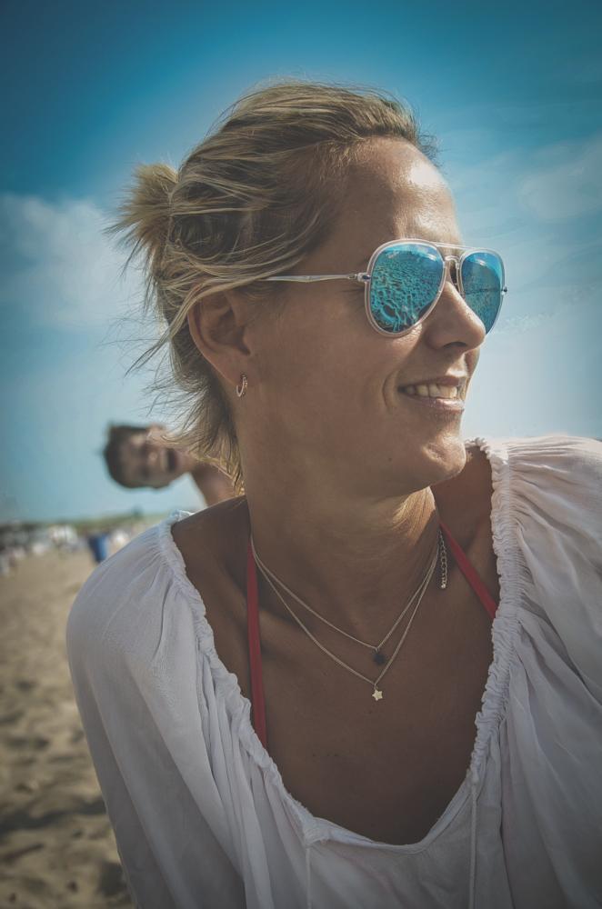 Photo in Random #fotobomb #random #female #people