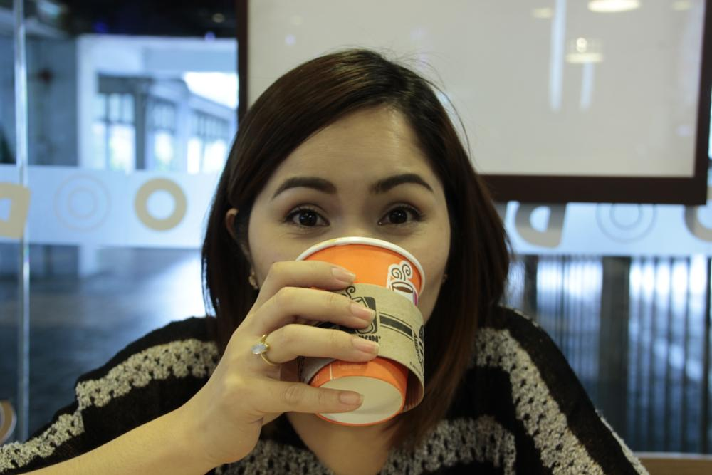 Photo in Random #canon #tamron18-270 #coffee #lady #suprise