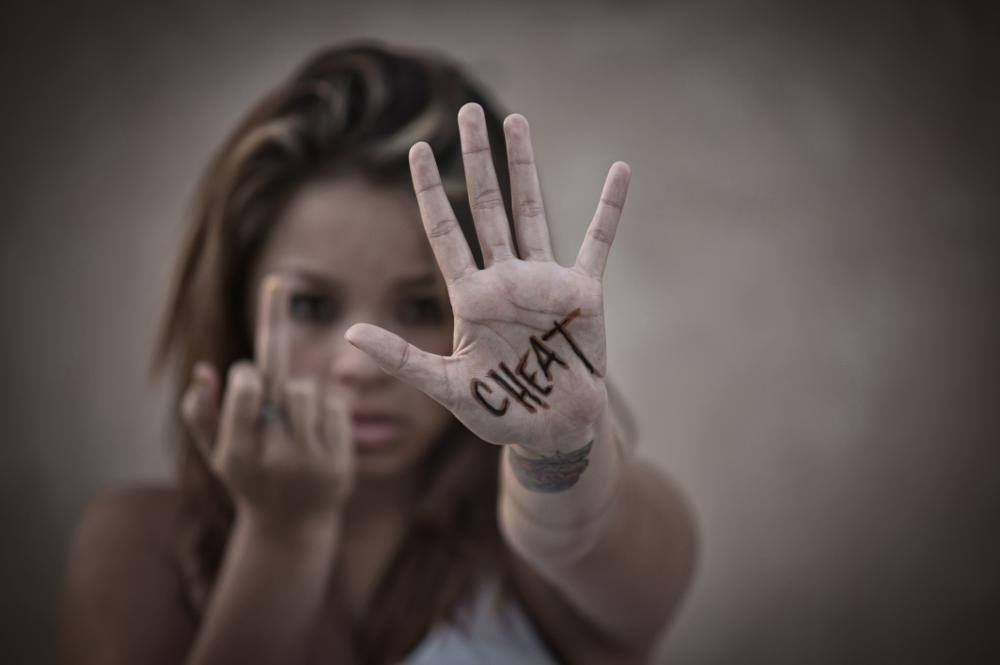 Photo in Portrait #cheat #the bird #dof #hand #stop #focus