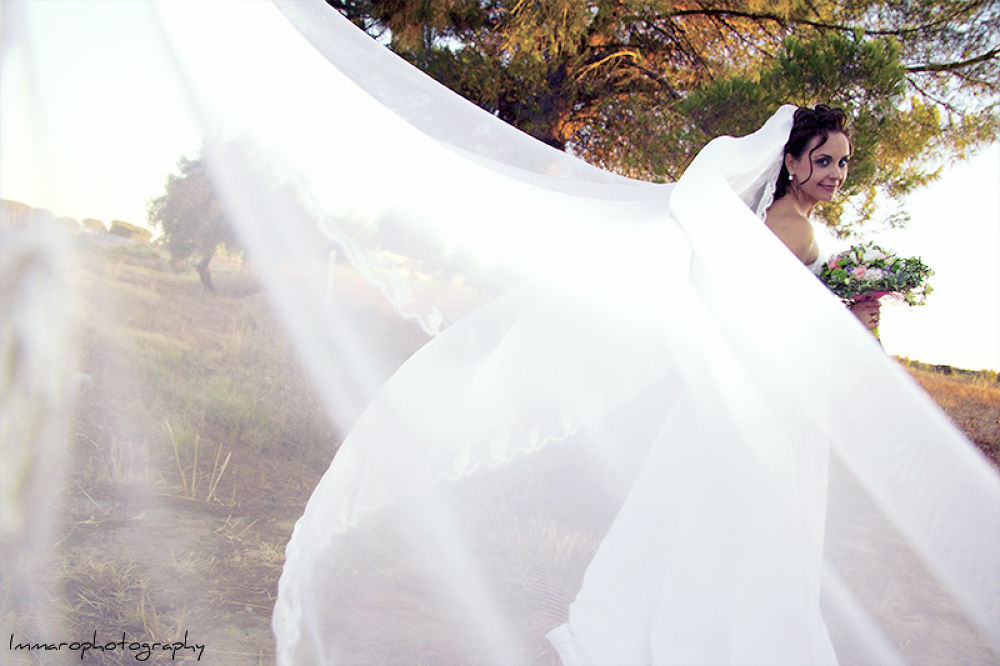 Photo in Wedding #immaro photography #wedding #boda #white #ramo #novia #bouquet #velo #veil #love #enlace #union #link
