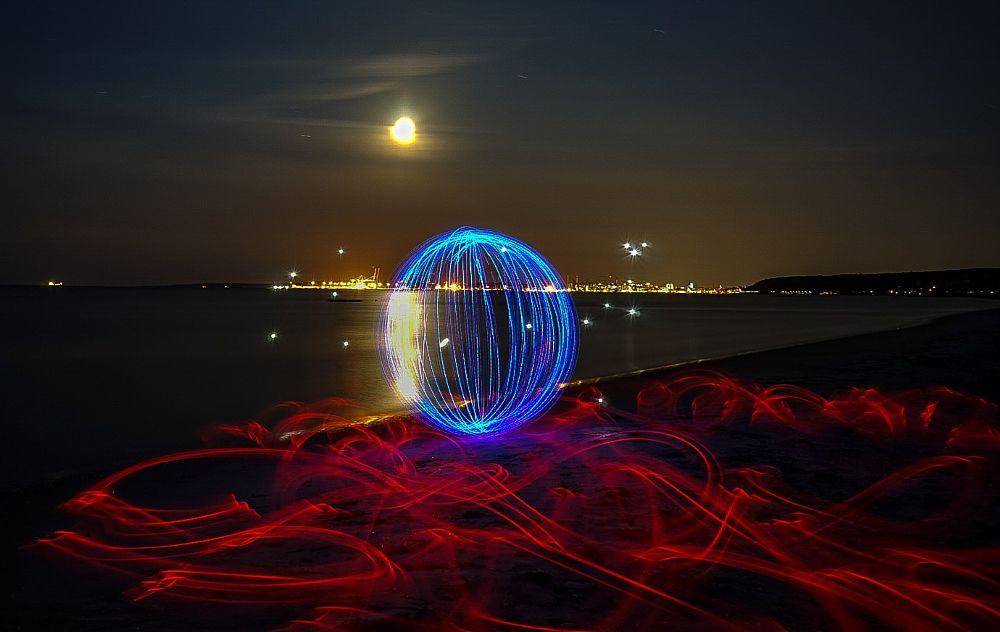 Photo in Random #beach #sea #lightpainting #longexposure #nighttimephotography #lpwalliance
