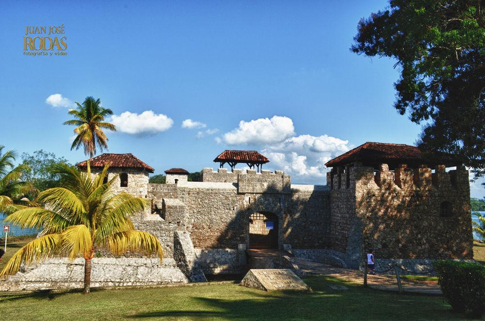 Photo in Architecture #hdr #history #guatemala #san felipe #rio dulce #izabal