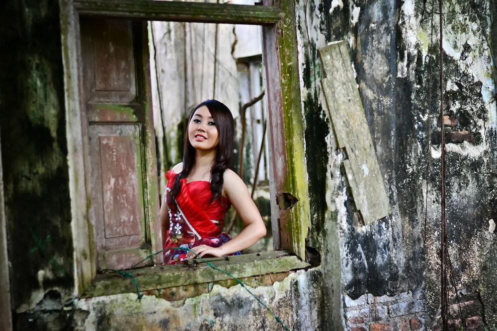 Photo in Portrait #portrait #girl #red #fashion