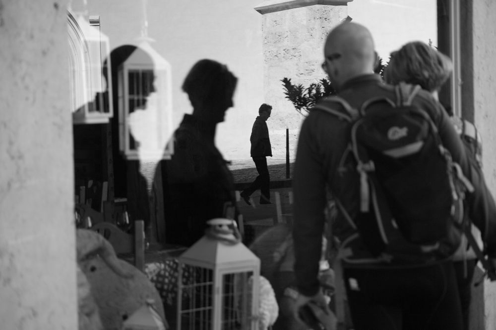 Photo in Street Photography #noir et blanc #rue #annecy