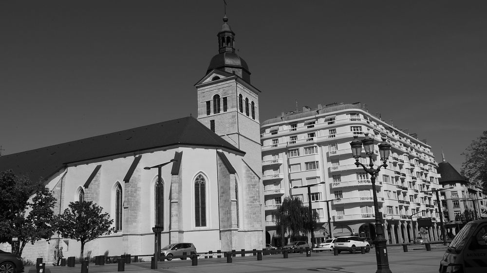 Photo in Black and White #city #black and white #annecy