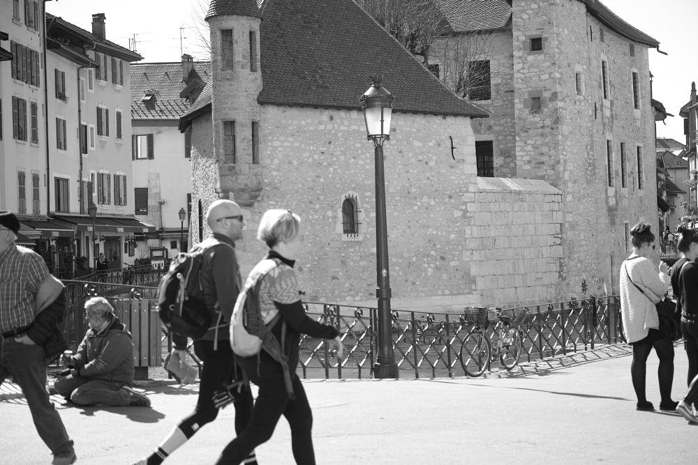 Photo in Street Photography #annecy #vieille-ville #noir et blanc #rue