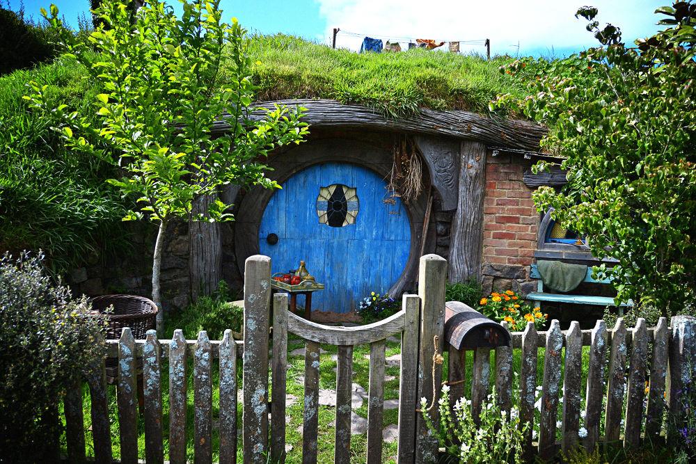 Photo in Random #hobbit hole #hobbit #new zeland