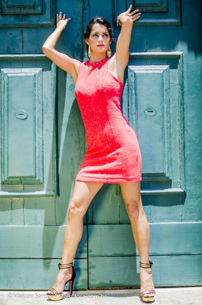 Photo in Fashion #mulher #girl #igreja #porta #door #brasil #rio de janeiro #niteroi #são francisco #maicon santos #webmaicon #maisclose #maisclose.com.br #fotografo #editorial #retrato #moda #fernanda kelly #tozo sampaio #felipe freitas #nikon #d5100 #35mm