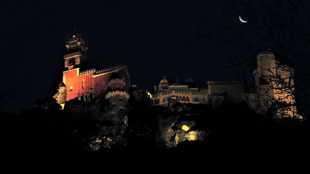 Photo in Random #moon #portugal #sintra #night