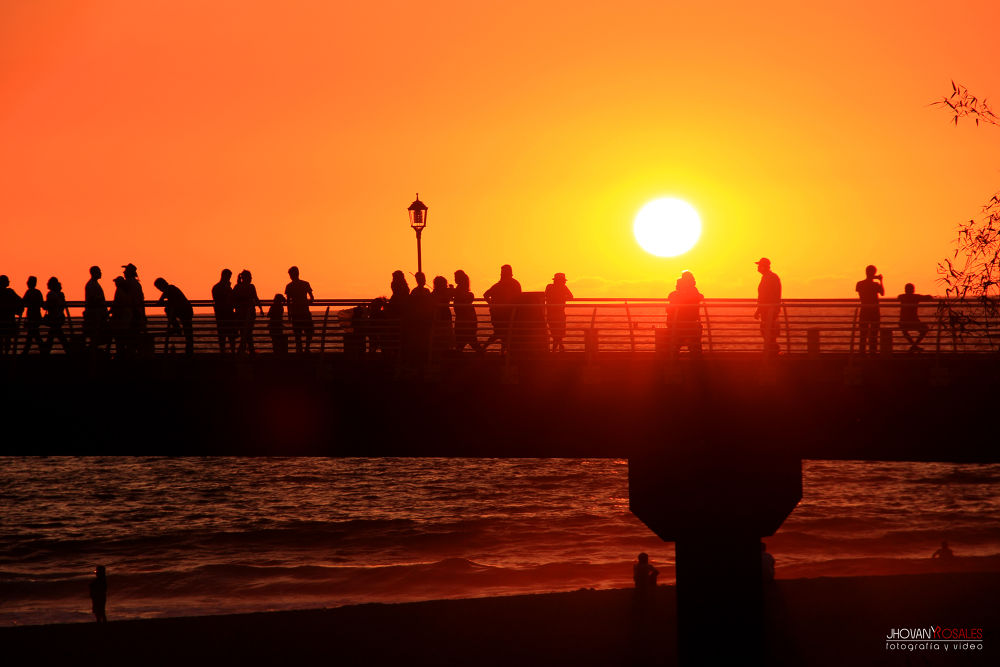 Photo in Urban #sunset #sea #sky #people #silhouettes #sunshine #ypa2013