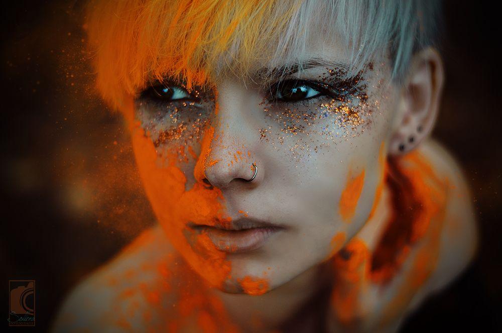 Photo in Portrait #girl #woman #female #close-up #portrait #sollena #nikon #germany #wiesbaden #50mm #powder #holi #splash #autumn