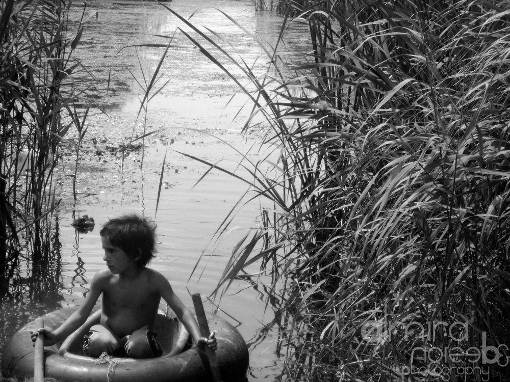 Photo in Random #child #boat #lake #vacaresti #bucharest