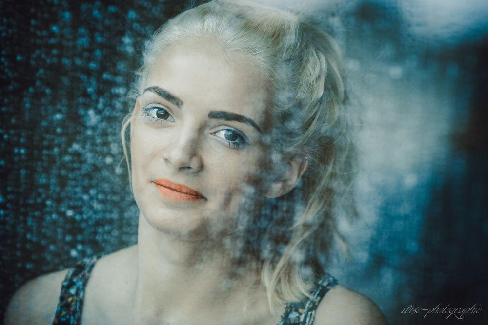 Photo in Portrait #girl #women #window #andréa #wise #poitiers #france #canon #135f2l #beauty #beautiful #rain