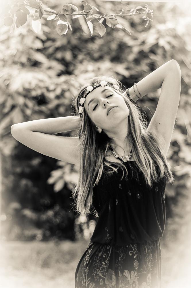 Photo in Lomo #hippy #flower #black #white #pentax