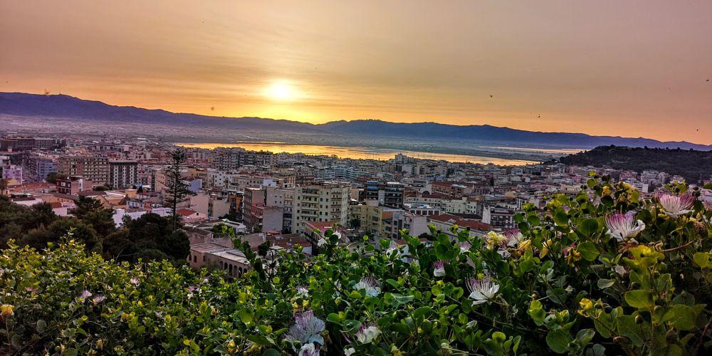 Photo in Random #alba #cagliari #panorama #mattino #sole #sun #city