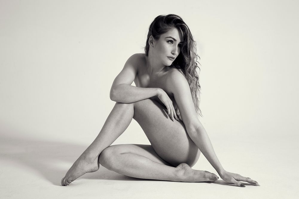 Photo in Nude #nude #b&w #rachelle #clasic #pose #model #female